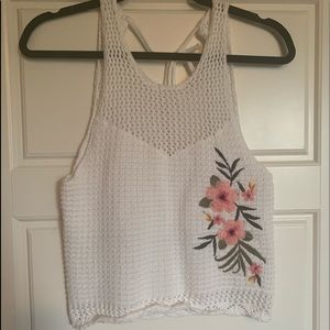 White flower embroidered tank top